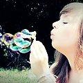 w krainie czarów... #dziewczyna #kobieta #piękno #portret #romantyczne #bańki #kolorowe #świat #lato #wesołe