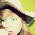 hm... #dziewczyna #kobieta #piękno #portret #romantyczne #kolorowe