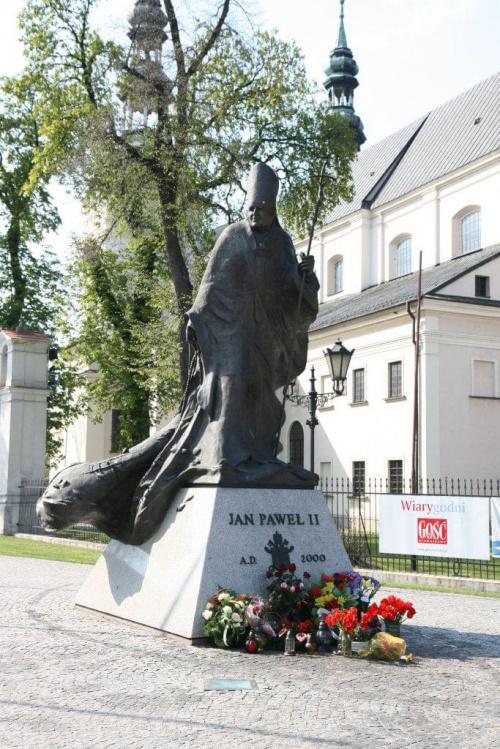 Łowicz - Pomnik Jana Pawła II (1) #Pomniki