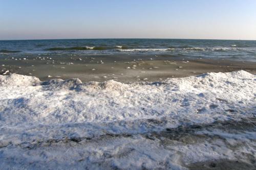 lodowa kaszka :) trochę przesolona :) #lód #morze #plaża #woda #zima