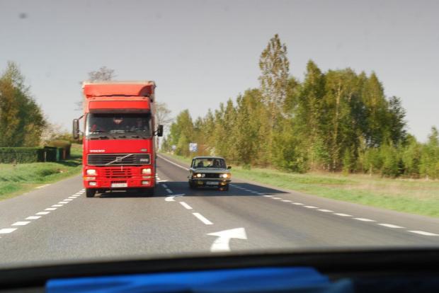 około 70 KM przeciwko 420 KM jest to jakieś wyzwanie :) #Fiat #forum #klasyk