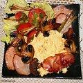 Jajecznica z dodatkami na śniadanie. Przepisy do zdjęć zawartych w albumie można odszukać na forum GarKulinar . Tu jest link http://garkulinar.jun.pl/index.php Zapraszam. #śniadanie #jajka #jajecznica #jedzenie #gotowanie #kulinaria