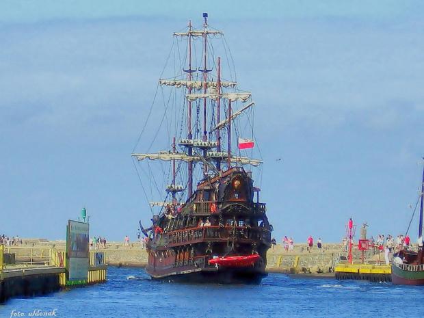 DRAGON - statek wycieczkowy w Ustce