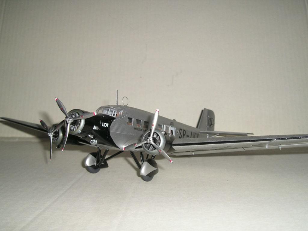 """Junkers Ju-52 PLL """"LOT"""" - Italeri 1/72 95fee249fbe905ff"""