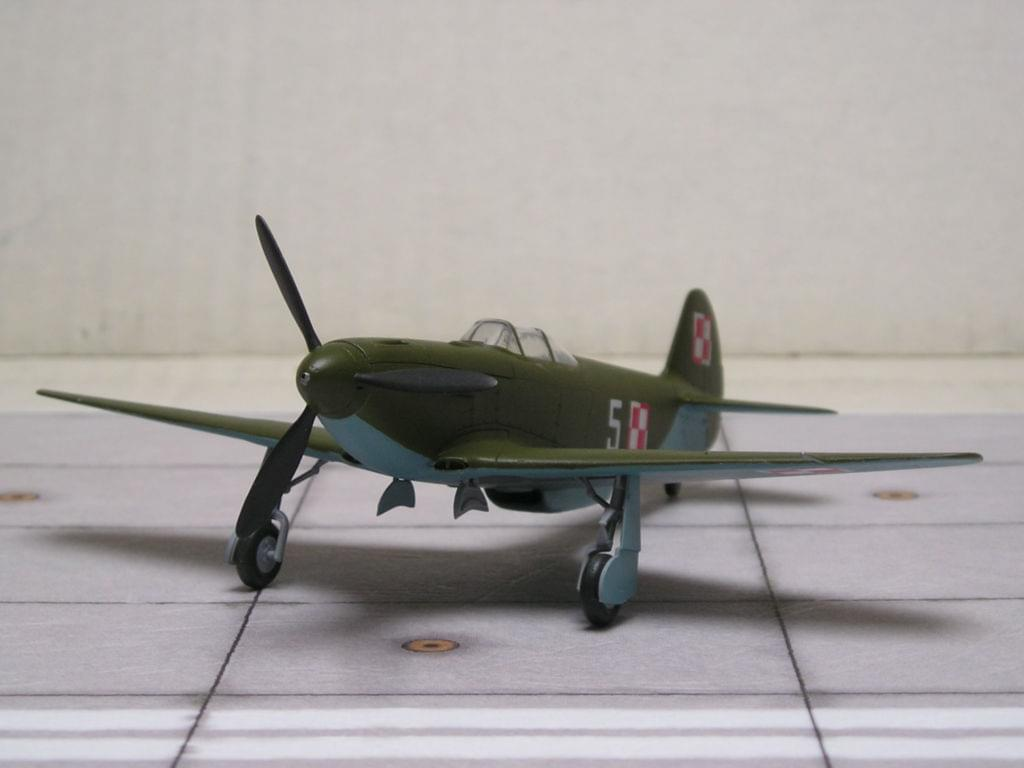Yak-3 Zvezda snap fit 1/72 5b341e1c3c0a2893