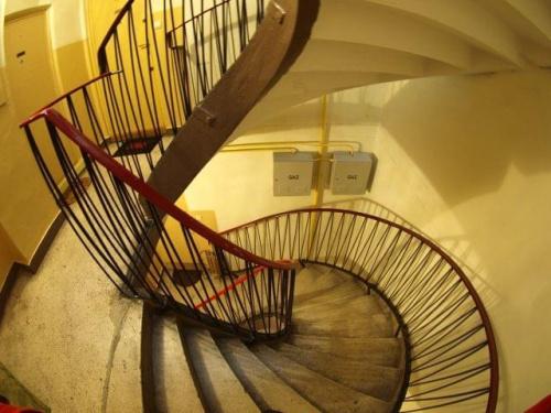 #Olympus #schody #wola #klatka #drzwi
