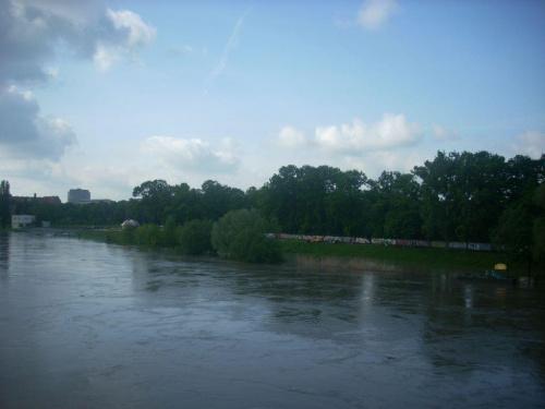 21 maj 2010, godzina 17:45, Wrocław, widok z kładki zwierzynieckiej