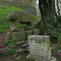Posąg Niedźwiedzia na Ślęży #Ślęża #niedźwiedź #posąg #rzeźba