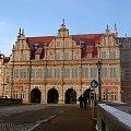 Gdańsk, Zielona Brama...W bardzo zimny i mrozny dzien, spacer po Gdańsku, aparat w metalowej obudowie przymarzał mi do ręki a obiektyw się zacinał z zimna! #Gdańsk #MojeMiasto #widoki #zima