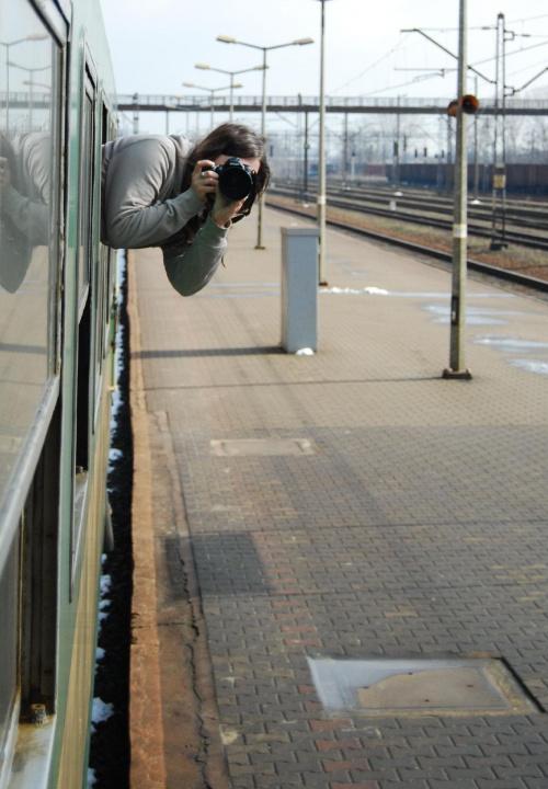 To jeszcze raz Pani professionalistka :) w akcji :D Schneeflocke #pociąg #zdjęcie #kadr #Schneeflocke