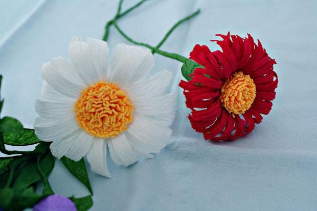Kwiaty #bibuła #dekoracje #hobby #KompozycjeKwiatowe #krepina #KwiatyZBibuły #MojePrace #pomysły #RobótkiRęczne